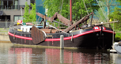 Elburg traditional barge